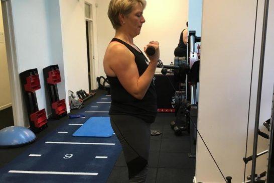 Nicola - biceps curl